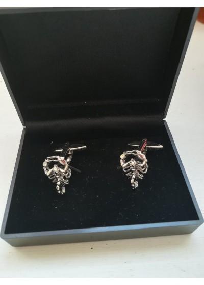 Интересни мъжки ръкавели за младоженец кум абитуриент и шафери със скорпион модел Scorpio