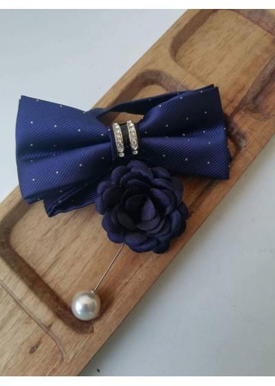 Изискан комплект за младоженец - бутониера и папийонка с кристали в тъмно синьо