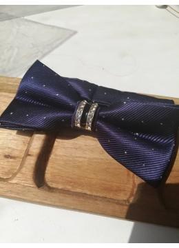 Стилна сватбена папийонка в тъмно синьо на сребърни точки