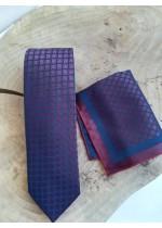 Изискан комплект мъжка вратовръзка и кърпичка в цвят бордо с тъмно синьо за сватба и бизнес