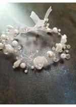 Булчинска гривна с перли и кристали Сваровски в бяло модел White Roses by Rosie