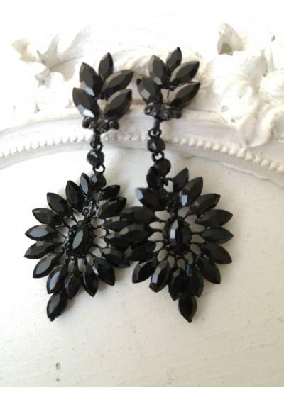 Стилни обици с кристали в черно - Black Flower