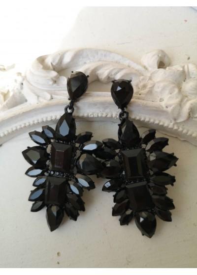 Изящни обици с кристали в черно - Black Style