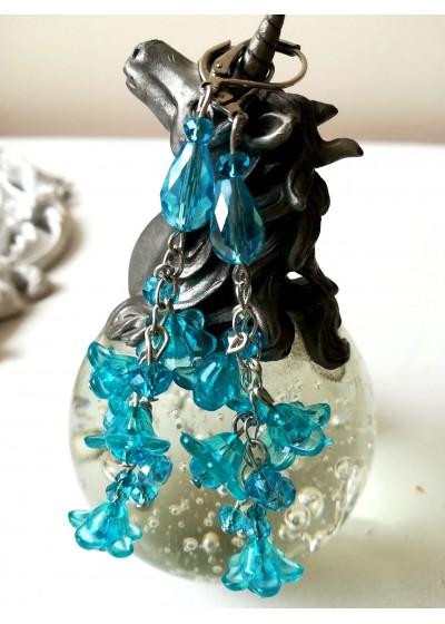 Булчински обици от кристали в цвят тюркоаз от серия Blue Bell by Rosie