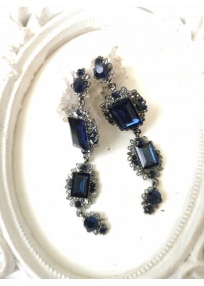 Дълги обици с кристали в тъмно синьо- Blue Fate