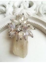 Ръчно изработен пръстен с бели кристали с ефект хамелеон за сватба и бал Water Magic