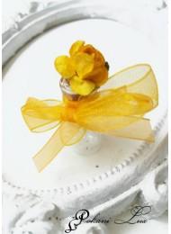 Подарци за гости за абитуриентски бал сватба и кръщене в жълто с роза над 20 бр