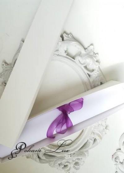 Сватбена покана с кутийка в бяло и лилаво модел Heaven Charm