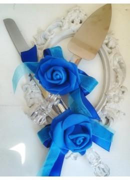 Сватбени прибори за торта с декорация в кралско синьо и тюркоаз серия Peacock Blue