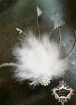 Сватбена украса за коса с пера и кристали в бяло Elegance White