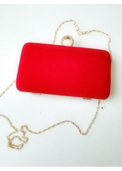 Елегантна чантичка от червено кадифе със златен обков и верижка за рамо