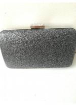 Дамска чантичка цвят тъмно сребро с кристали на закопчалката