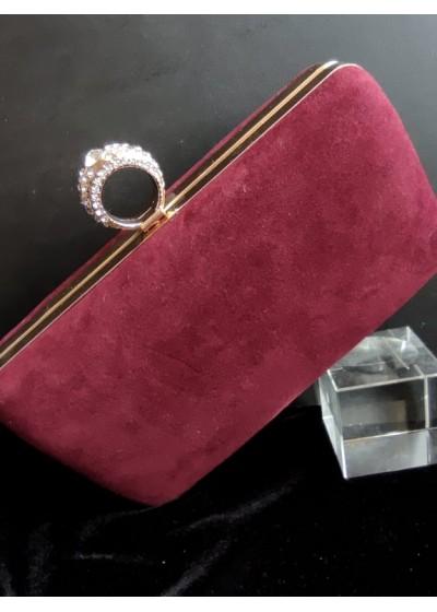 Елегантна чанта цвят Бордо от кадифе със златен обков и верижка за рамо