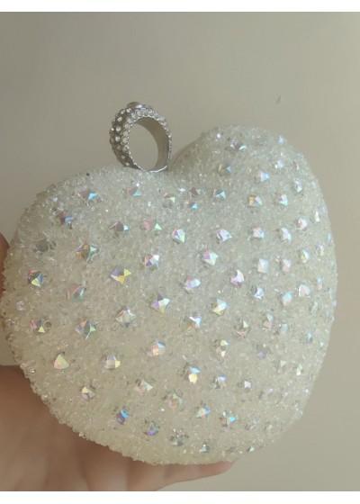 Ефектна дамска чанта сърце в бяло с кристали за сватба и бал